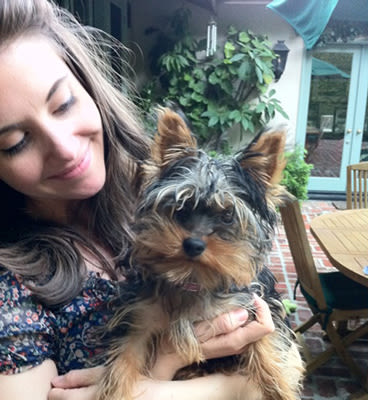 Photo of Alison Brie & her Dog Toto