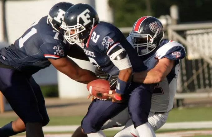 USA Destroyed France 82-0 in an American Football Game