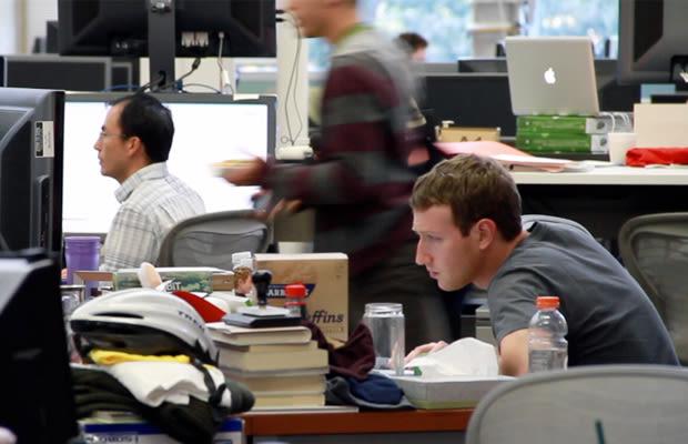 Gallery The Desks Of 10 Famous Tech Ceos Complex