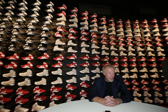 How Phil Knight Turned Nike From a Start-Up Sneaker Company Into a ...
