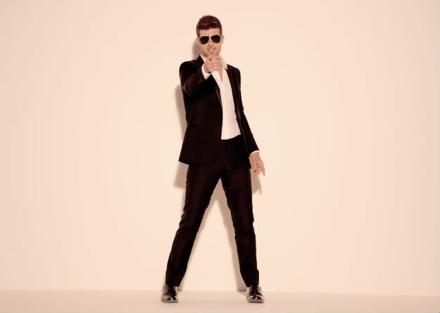 robin-thicke-point