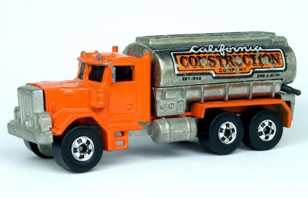 1981 peterbilt tank truck the 50 best hot wheels of all time complex. Black Bedroom Furniture Sets. Home Design Ideas