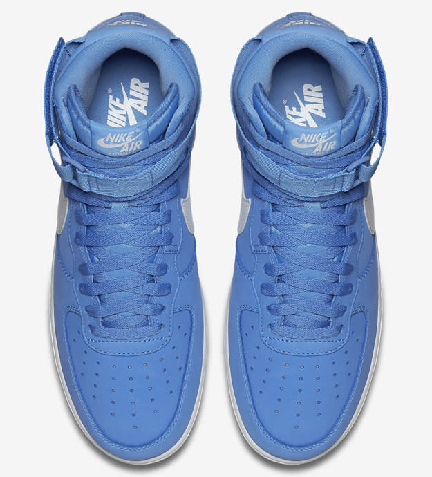 magasin en ligne 8fc3a 26b11 Nike Air Force 1 High Retro QS | Complex