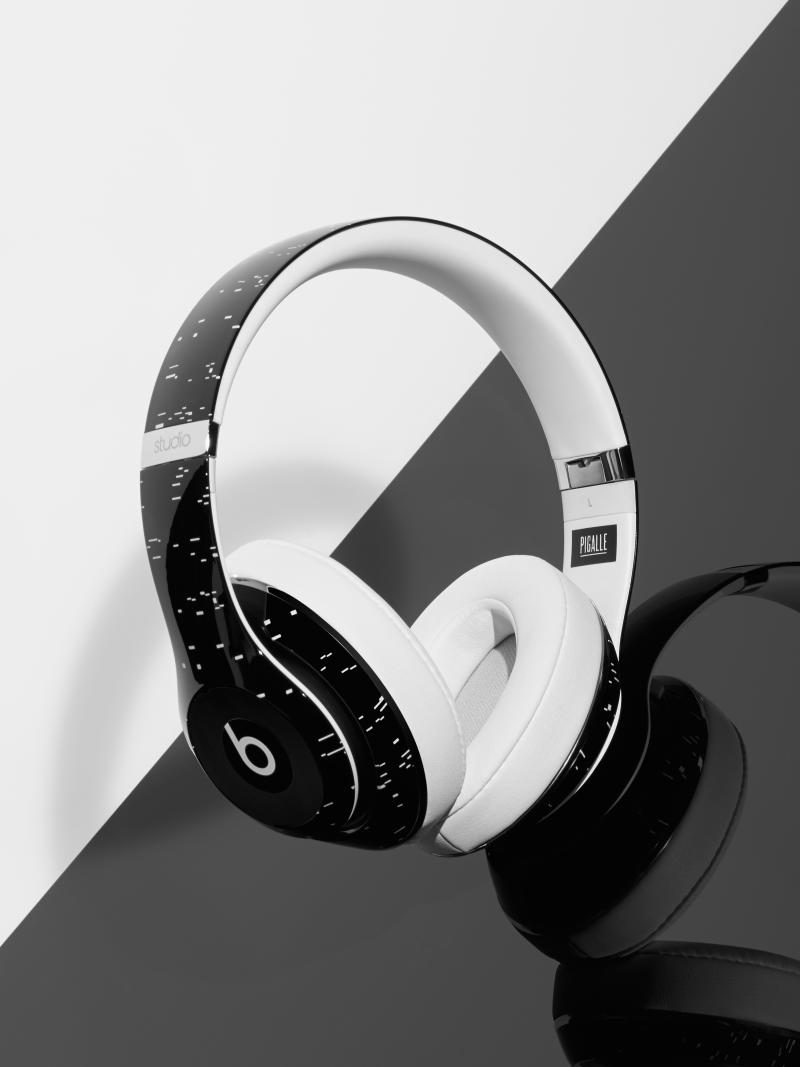 beats by dre x pigalle studio wireless headphones complex. Black Bedroom Furniture Sets. Home Design Ideas