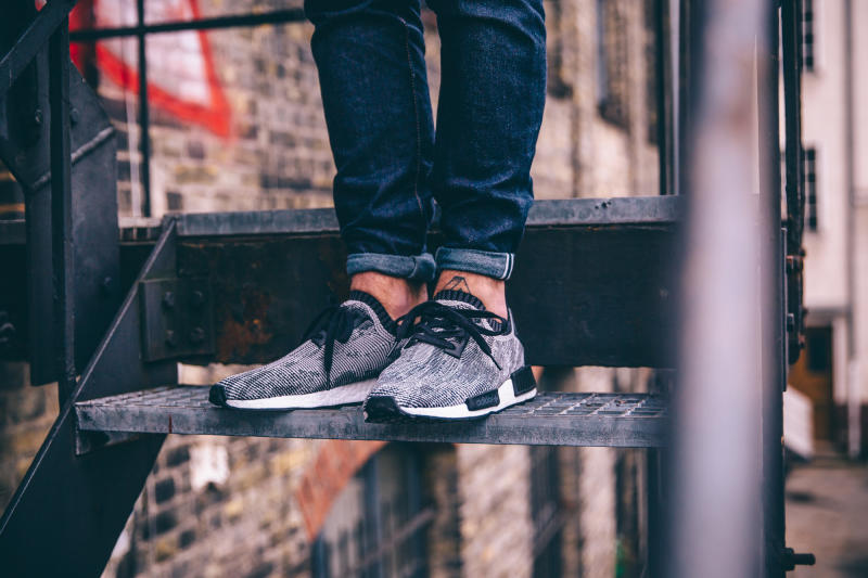 ON FEET Adidas NMD R1 'Glitch' Black \\ u0026 Gray