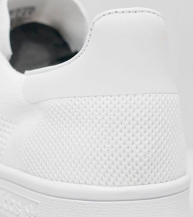 white on white adidas stan smith