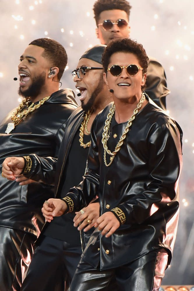 Bruno Mars Performed at the Super Bowl 50 Halftime Show in Custom Versace news