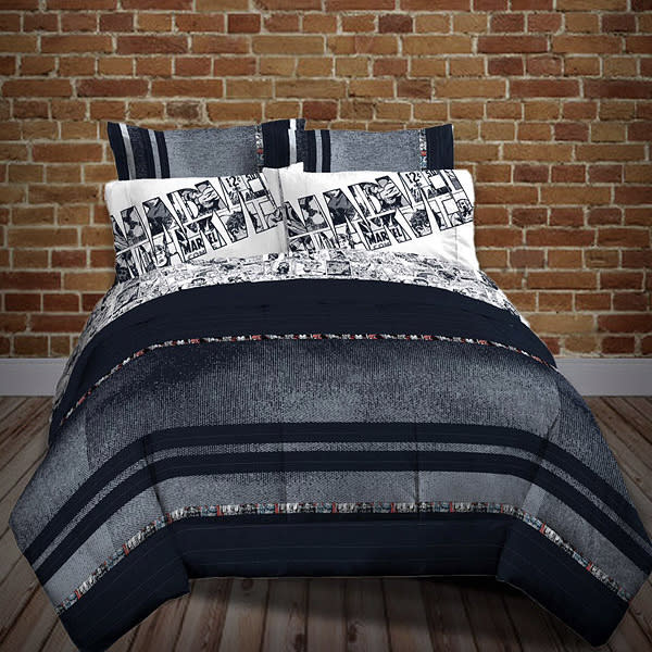... Awesome Bedding? Images Below And Both Items Are Available Via  ThinkGeek Now.