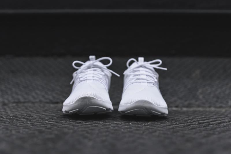 Nike Darwin Triple White
