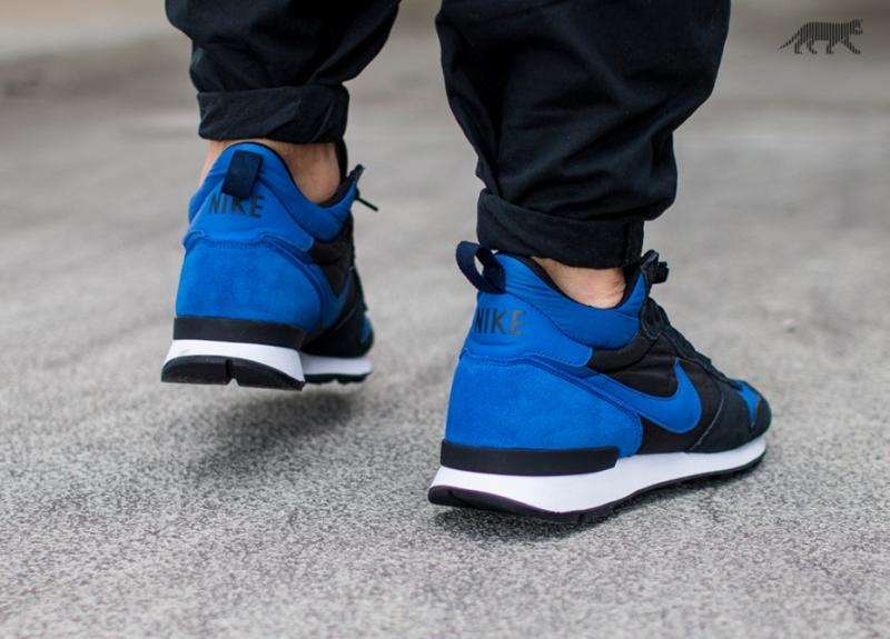 nike internationalist mid royal