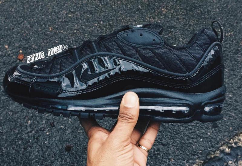 Air Max 98 Supreme On Feet