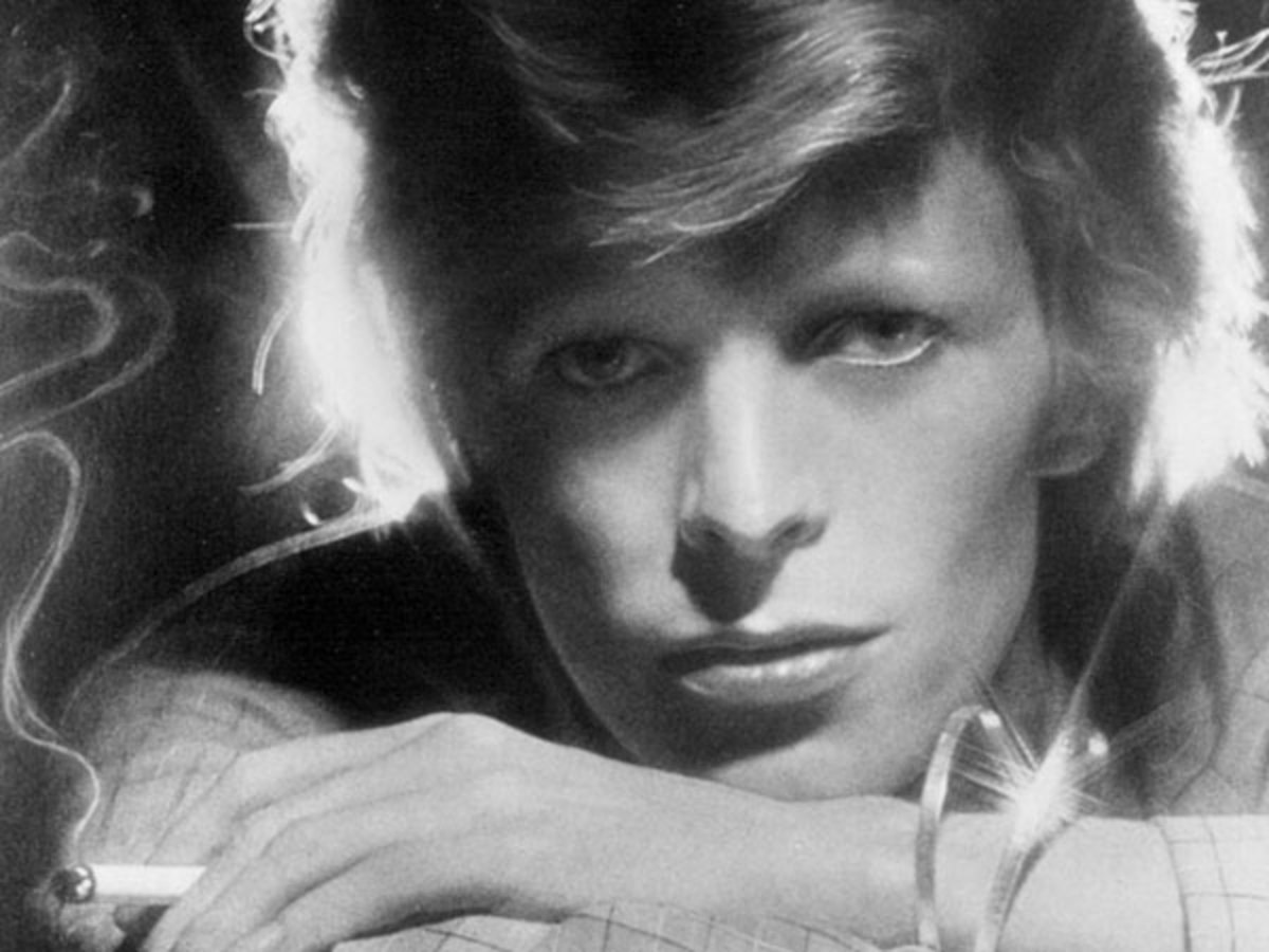 am i still too young r i p david bowie 1947 2016 pigeonsandplanes. Black Bedroom Furniture Sets. Home Design Ideas