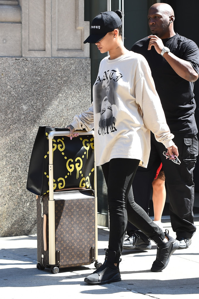 Rihanna in New York with a Gucci bag