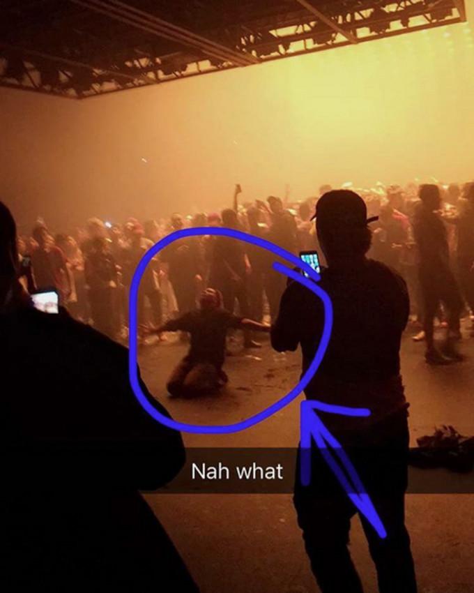 Kanye Fan Praying During Saint Pablo MSG