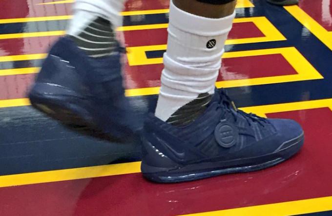 Nike LeBron 3 Low Navy