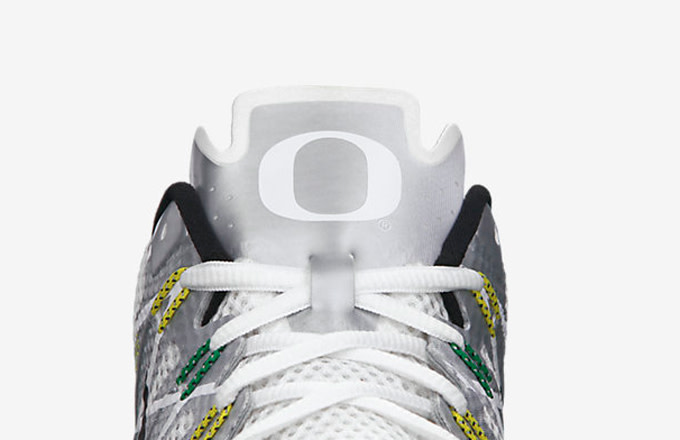 online store c7755 836d6 For all the Oregon fans, cop the sneakers today on Nike Store for  120, and  just pray the Ducks crack the top four in the first-ever College Football  ...