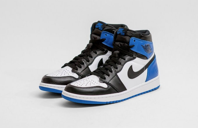 35d781c6142 Update 11/11: According to Sole Collector, the fragment design x Air Jordan  1 is set to release on December 27.