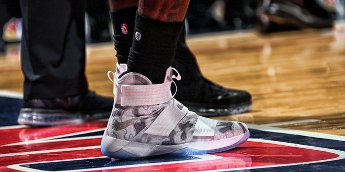 huge selection of a5f62 40aef LeBron James Gives Free Sneakers to Veterans | Complex