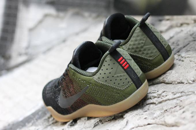 Nike Kobe 11 4KB Green Gum Heel