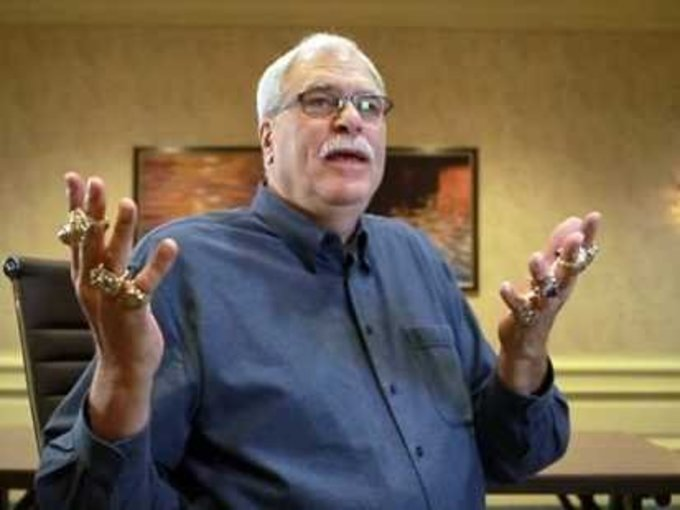 Phil Jackson wearing his NBA title rings