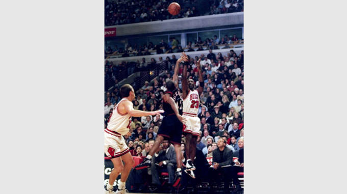 0a5a7674e67e nextpage--  Michael Jordan in the White Black True-Red Air Jordan 13