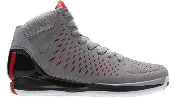 The 10 Best Basketball Sneakers For Players With Flat Feet Complex