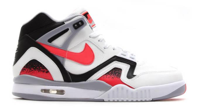 Nike Air Tech Challenge 2