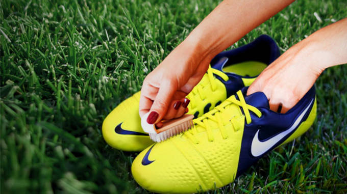 9283bed5815 The 10 Best Ways to Keep Your Soccer Cleats Fresh | Complex