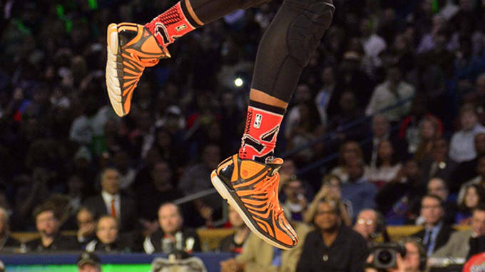 Lillard Dunk contest close up