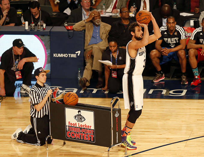 20703079c1fd Marco Belinelli Breaks Out and Wins the NBA Three-Point Contest ...
