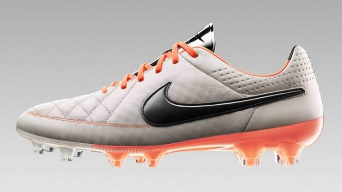 Nike Tiempo V
