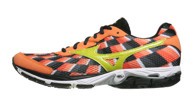 2013 Sneakers - Mizuno Wave Elixir 8