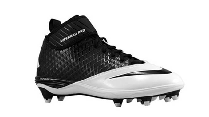 8b9bb1ccd The Perfect Football Cleats According to Your Position