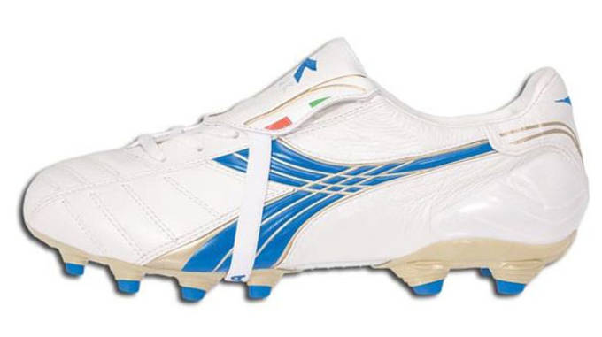 4df82575a6 The 25 Best Soccer Cleats of All Time | Complex