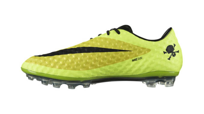 check out 3aad5 965f5 Don't Get Blinded by the Nike Hypervenom Phantom AG
