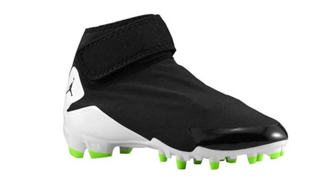 255e9c9bcd4 nextpage--  23. jordan-dominate-pro-td-cleat-black copy