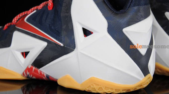 new style 06464 67b48 Nike LeBron 11