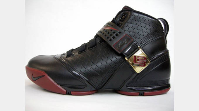 Nike Zoom LeBron V