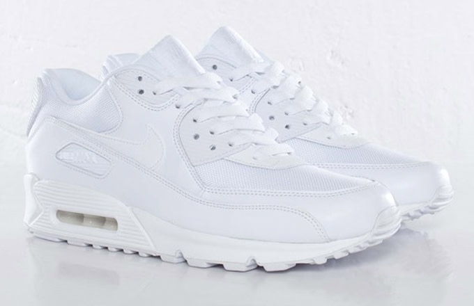 987967e04a Plenty of sizes are still available at international retailer  Sneakersnstuff, so cop the