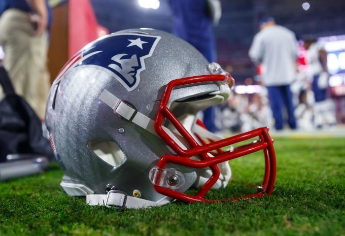 Patriots Helmet Sidelines Arizona 2016