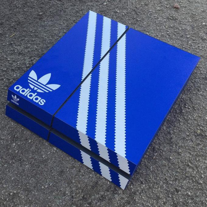 superior quality 161bb c4603 Sneaker Box Skins for Playstation 4 | Complex