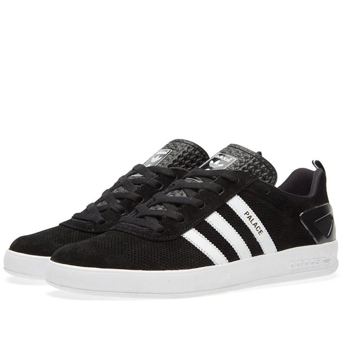 c343b058 Surprisingly, there's still a wide range of sizes available, but don't  sleep because top-notch trainers like these aren't going to be sitting  around for ...