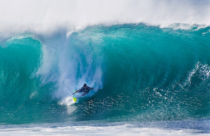 The Famed Waves Of The North Shore S Banzai Pipeline Complex