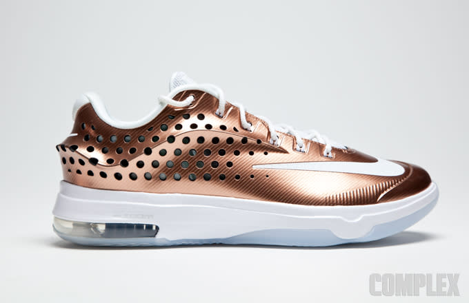 watch 4d864 befab ... the KD 7 Elite. Not to be outdone by its previous counterparts, this  time around sees the 7 get a metallic-like rose gold finish with a white  midsole ...