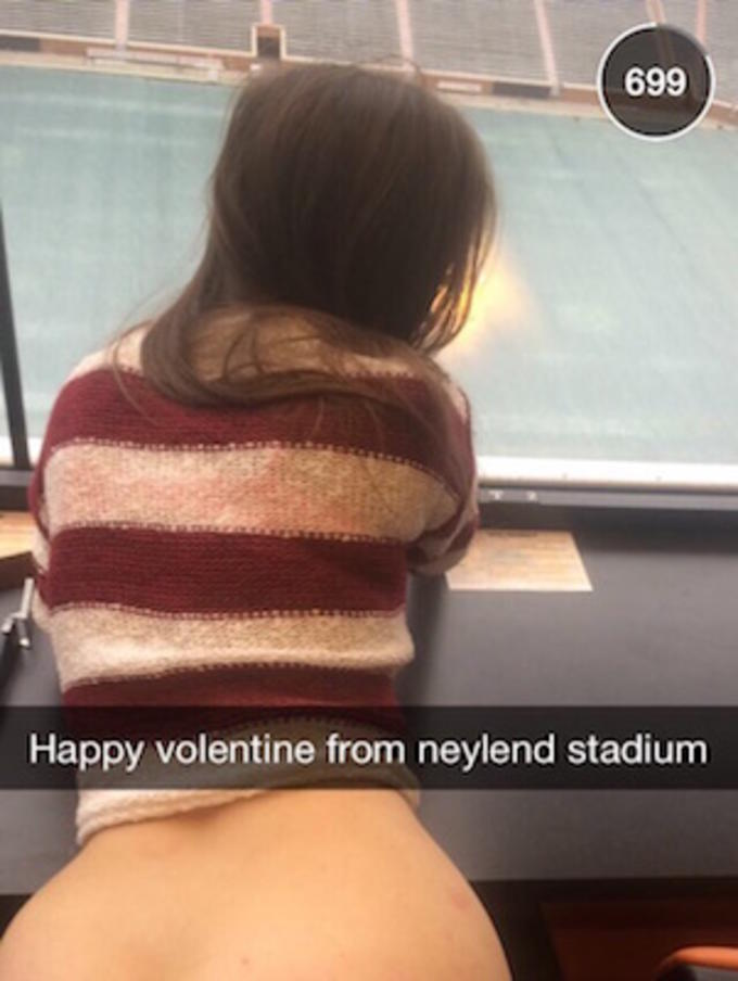 University Of Tennessee Students Celebrate Valentines Day -6303