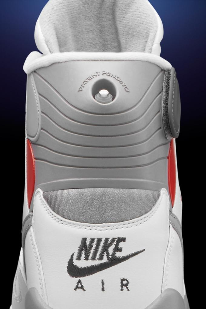 new styles 6d26a 92def Nike is set to release the Pressure once again this Saturday, January 16.