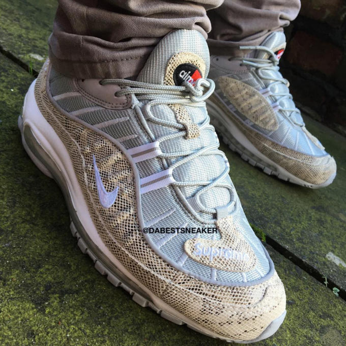 purchase cheap 90cef 01d89 Supreme x Nike Air Max 98 On-Feet Images | Complex
