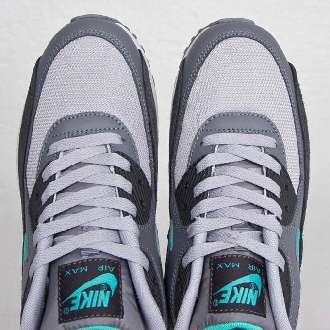 Nike Air Max 90 Essentials