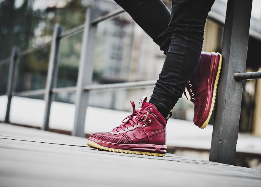 Nike Lunar Force 1 Duckboot Team Red Close | Sole Collector