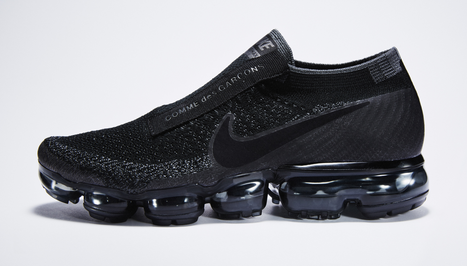 173a0e8e8bc58 Image via Nike Black Nike Air VaporMax Comme des Garcons Profile